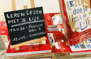 tijdens de Lezing in Antwerpen werden veel boeken leren lezen doe je met je lijf verkocht